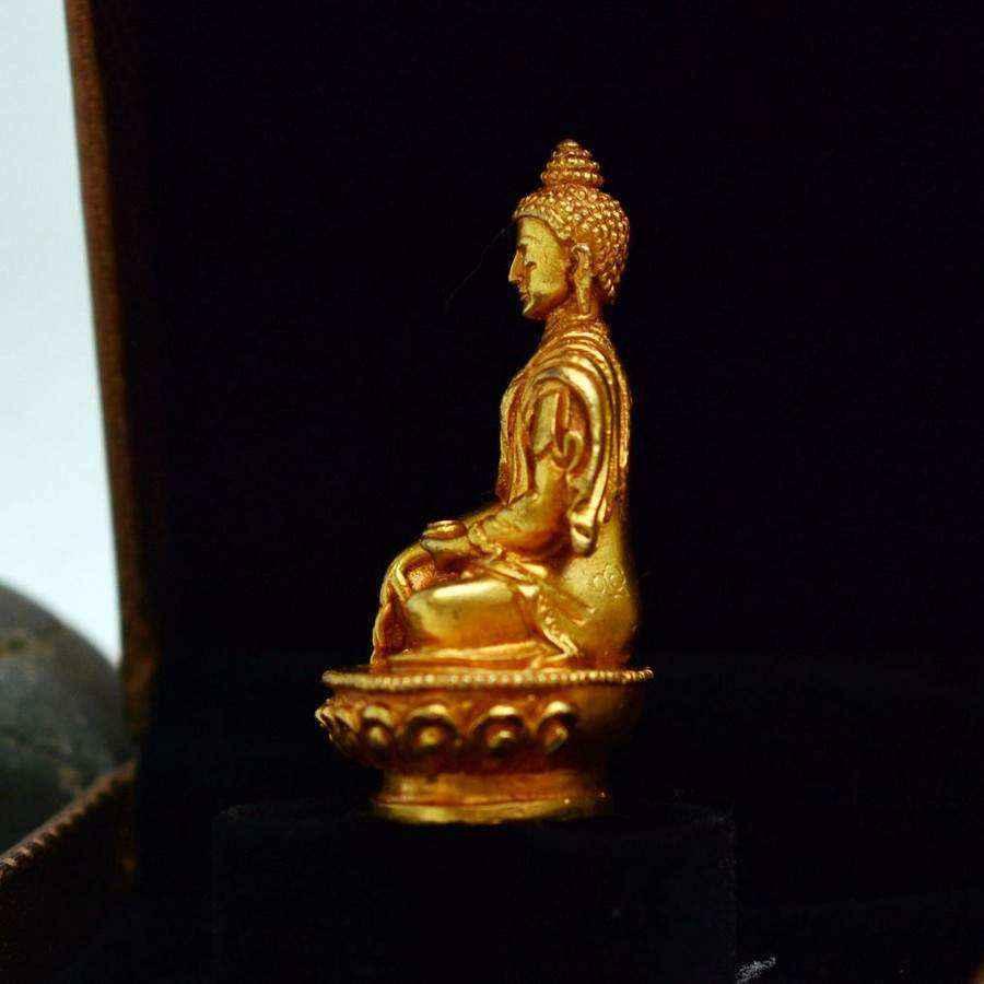 Tượng Phật A Di Đà (Amitabha)
